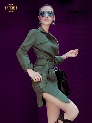 Set áo khoác ngắn chân váy xẻ tà cao cấp màu xanh TA1301