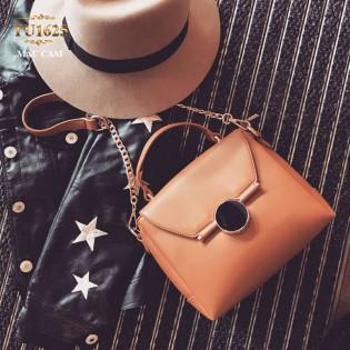 Túi xách đeo thời trang nắp khóa tròn đen TU1625