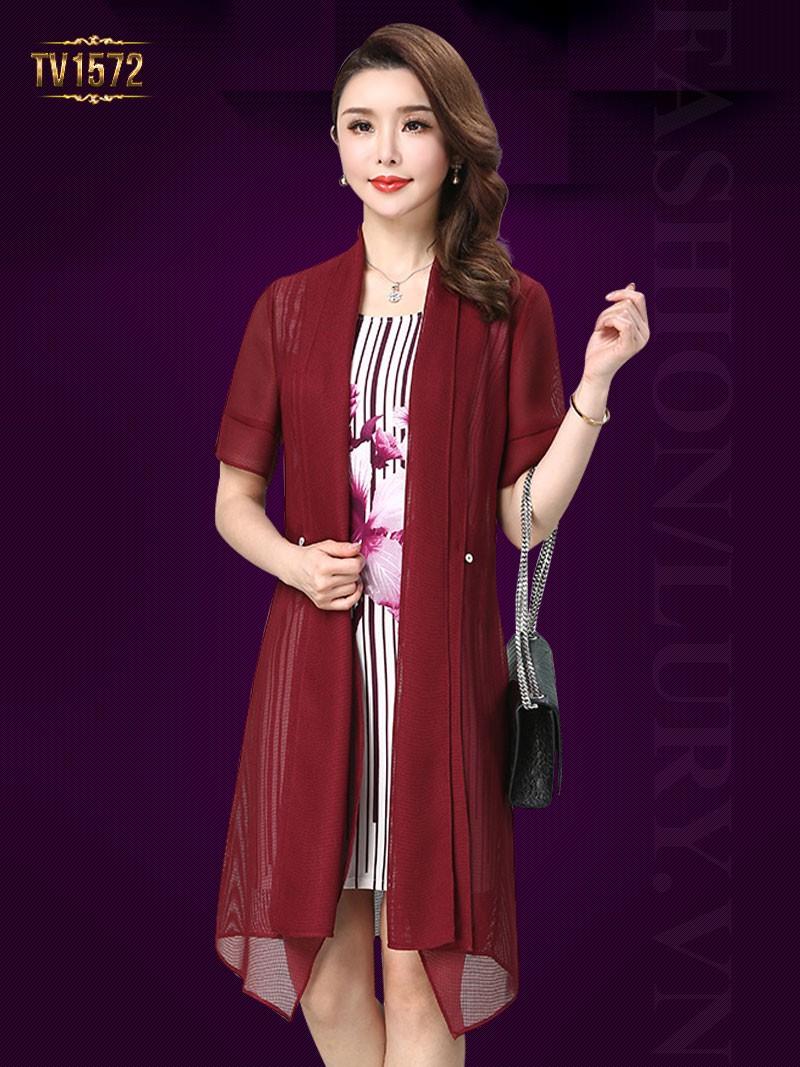 các mẫu váy đầm sang trọng cho tuổi trung niên mà các quý cô không nên bỏ qua.