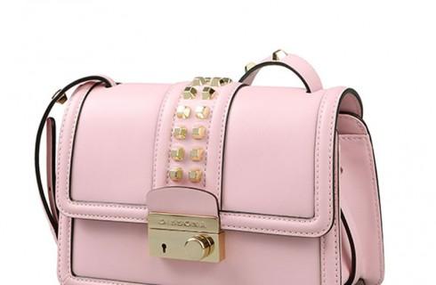 3 kiểu túi xách cần có trong tủ đồ của phụ nữ hiện đại