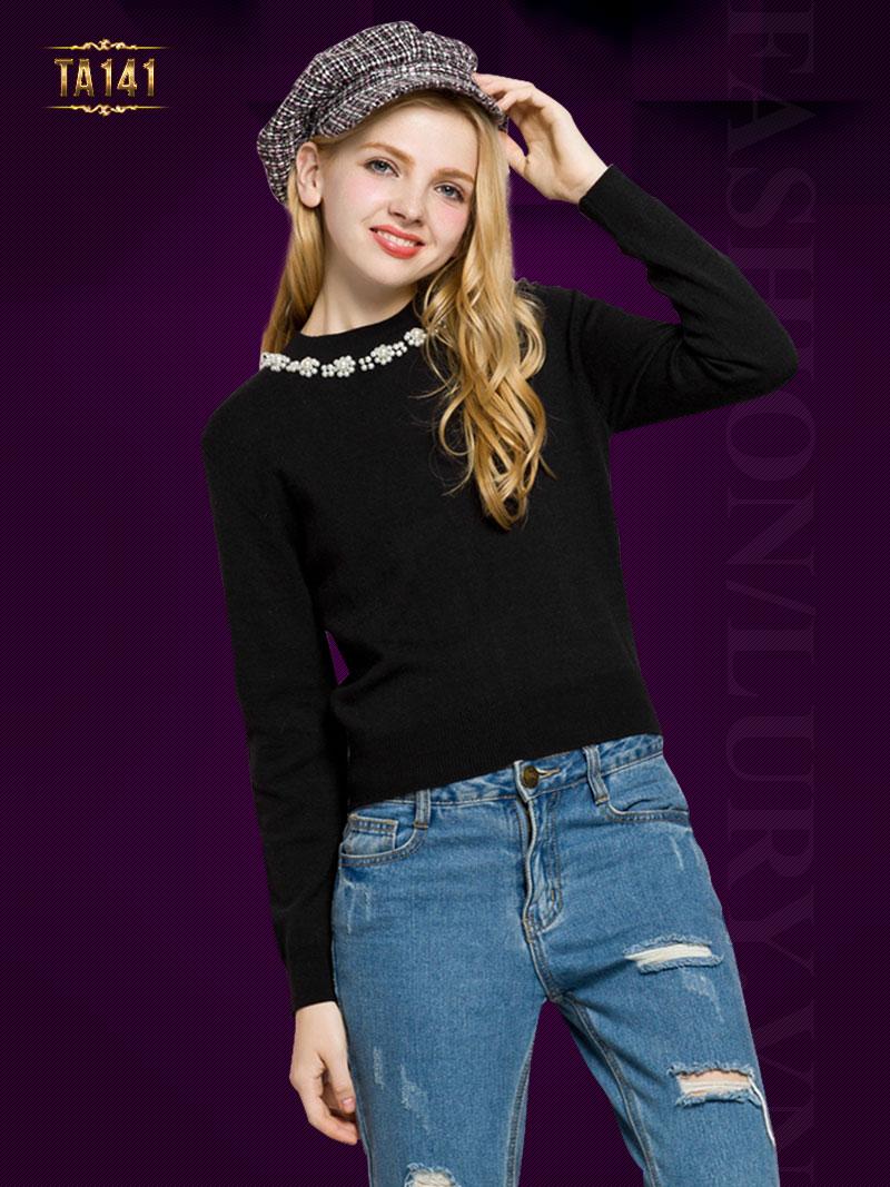 Áo len dài tay cổ đính hạt thời trang TA141