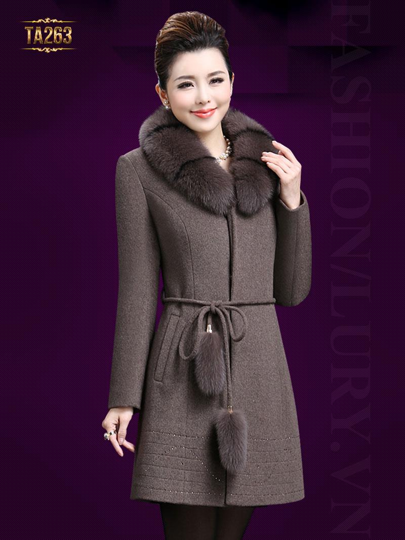 Những mẫu áo khoác dạ nữ dáng dài mới nhất mùa thu đông 2018 - 2019