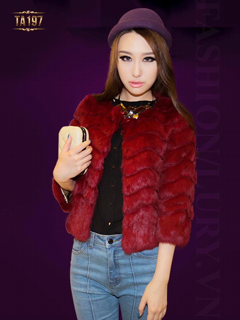 Khi mua áo khoác lông thú hà nội các bạn nên chú ý đến chất lượng lông TA197; Giá: 5.600.000 VNĐ