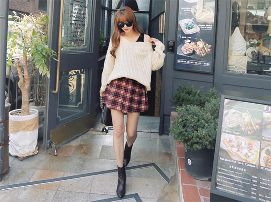 Lựa chọn vài mẫu áo len dáng thụng sành điệu ngày đông lạnh