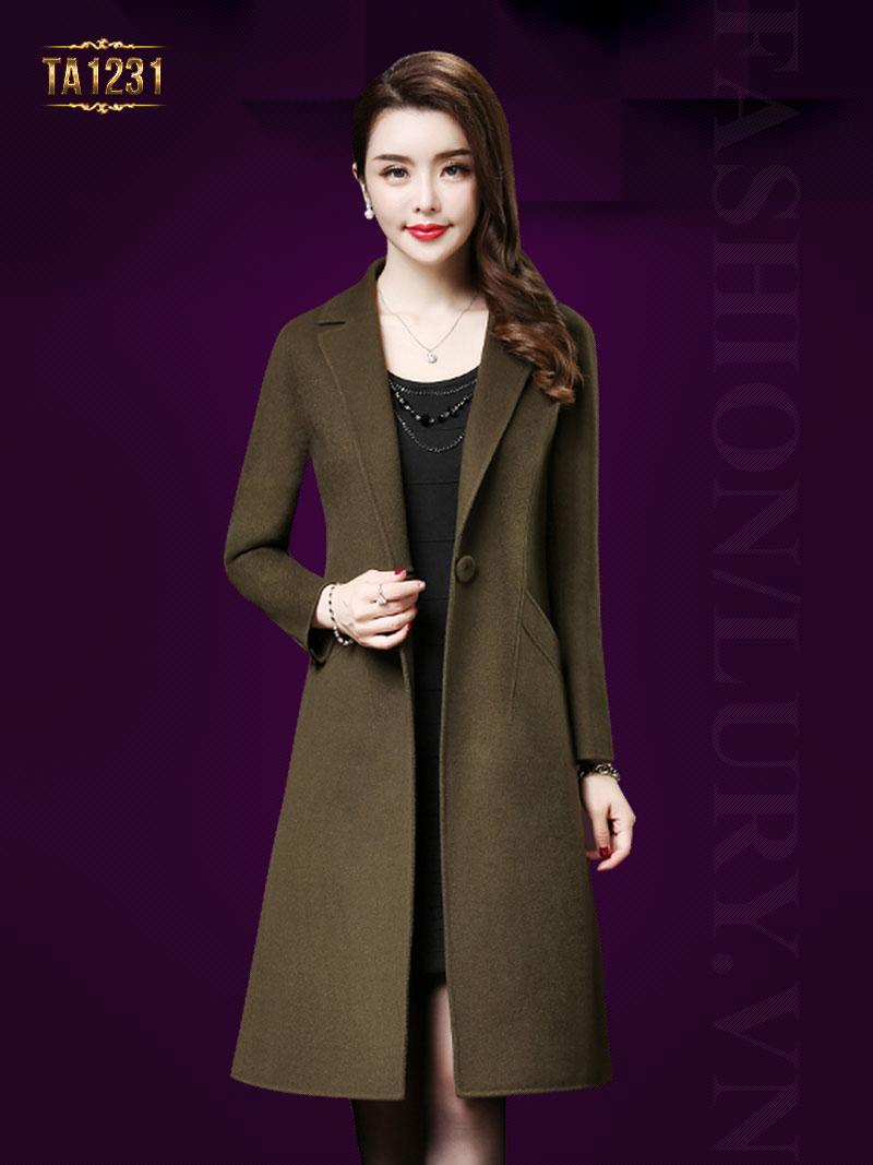 """so với áo khoác dạ nữ dáng dài giá rẻ, áo khoác dạ nữ dáng suông, dáng dài, áo khoác nữ dáng dài có mũ hàng hiệu còn mang đến vẻ đẹp sang trọng, đẳng cấp với chất liệu """"thật"""" và có sức hút"""