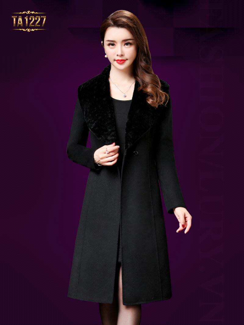 Áo khoác dạ nữ hàng hiệu dáng xòe cổ điển nhanh chóng được thay thế bằng những thiết kế áo khoác dạ dáng chữ a, ôm nhẹ nhàng, thanh thoát