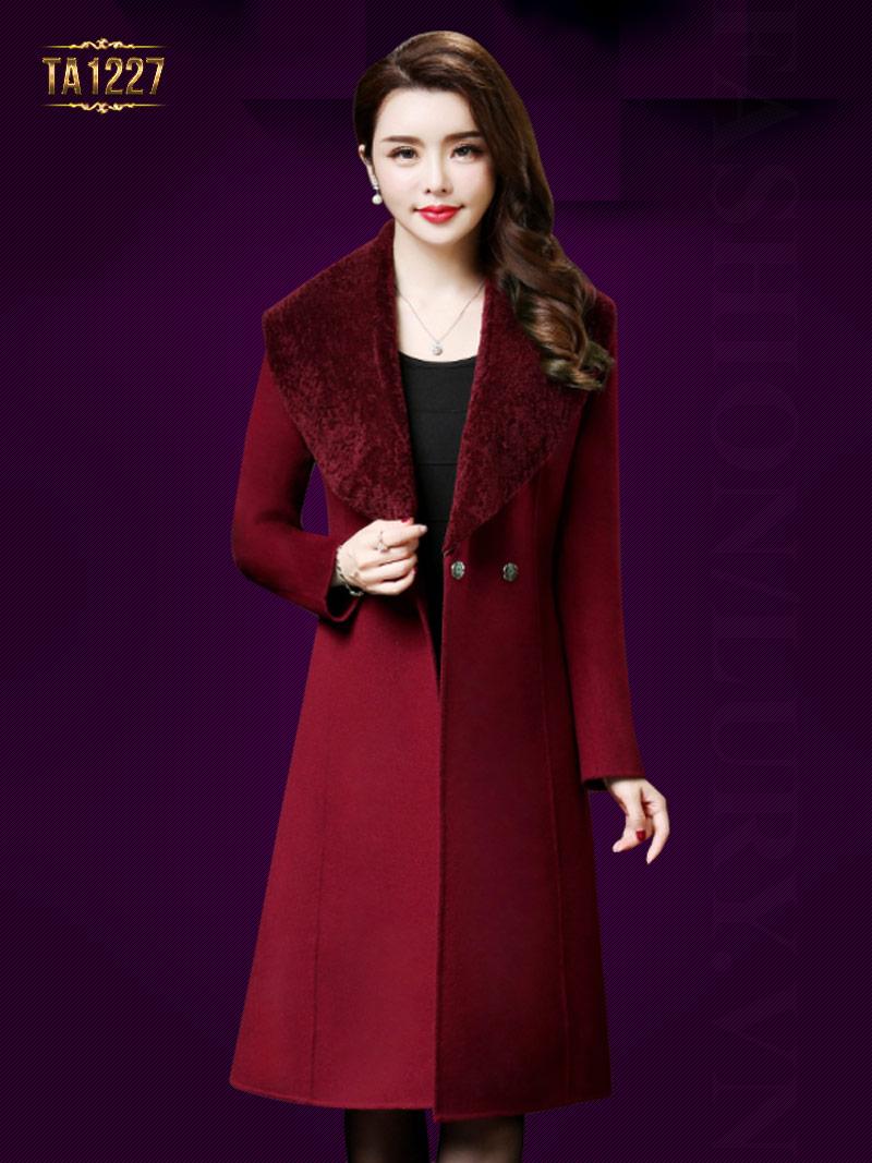 Thời trang áo khoác dạ nữ dáng dài cho quý cô trung niên