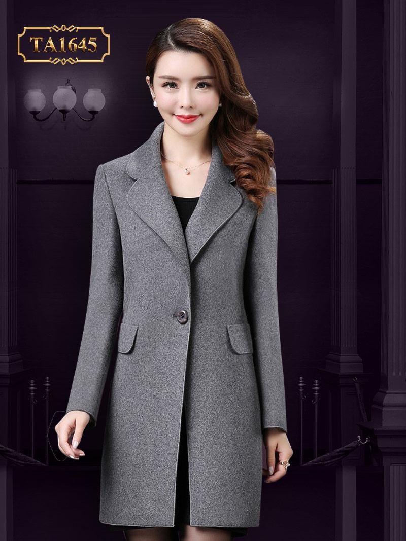 Mẫu áo dáng lửng tôn lên nét trẻ trung, nữ tính vô cùng TA1645