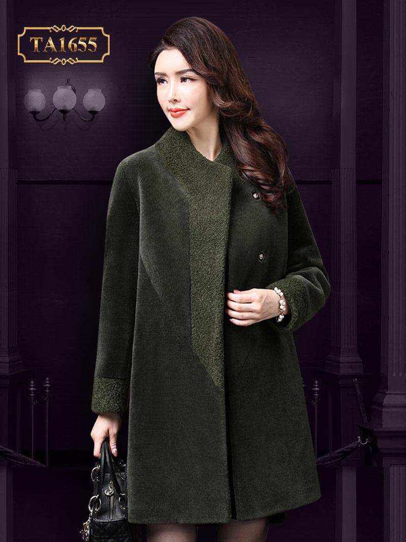 Chất liệu nhung dáng chữ A cao cấp không thể thiếu trong mùa đông năm nay của mẫu áo khoác nhung TA1655