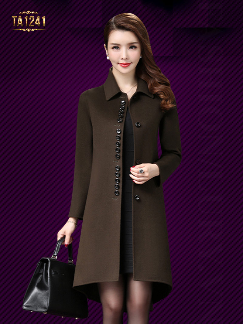 Kiểu áo khoác dạ thể hiện phong cách riêng cho quý cô trung niên TA1241; Giá: 13.223.000 VNĐ