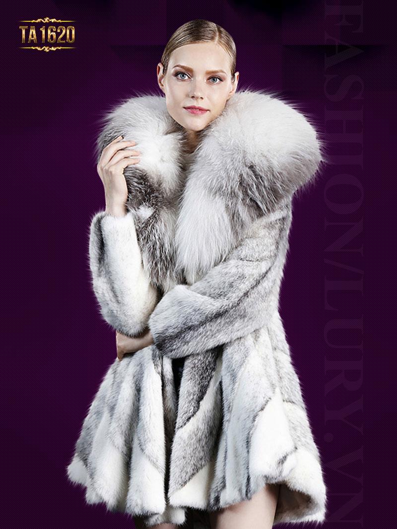 Những mẫu áo khoác lông dáng dài không thể thiếu trong mùa đông