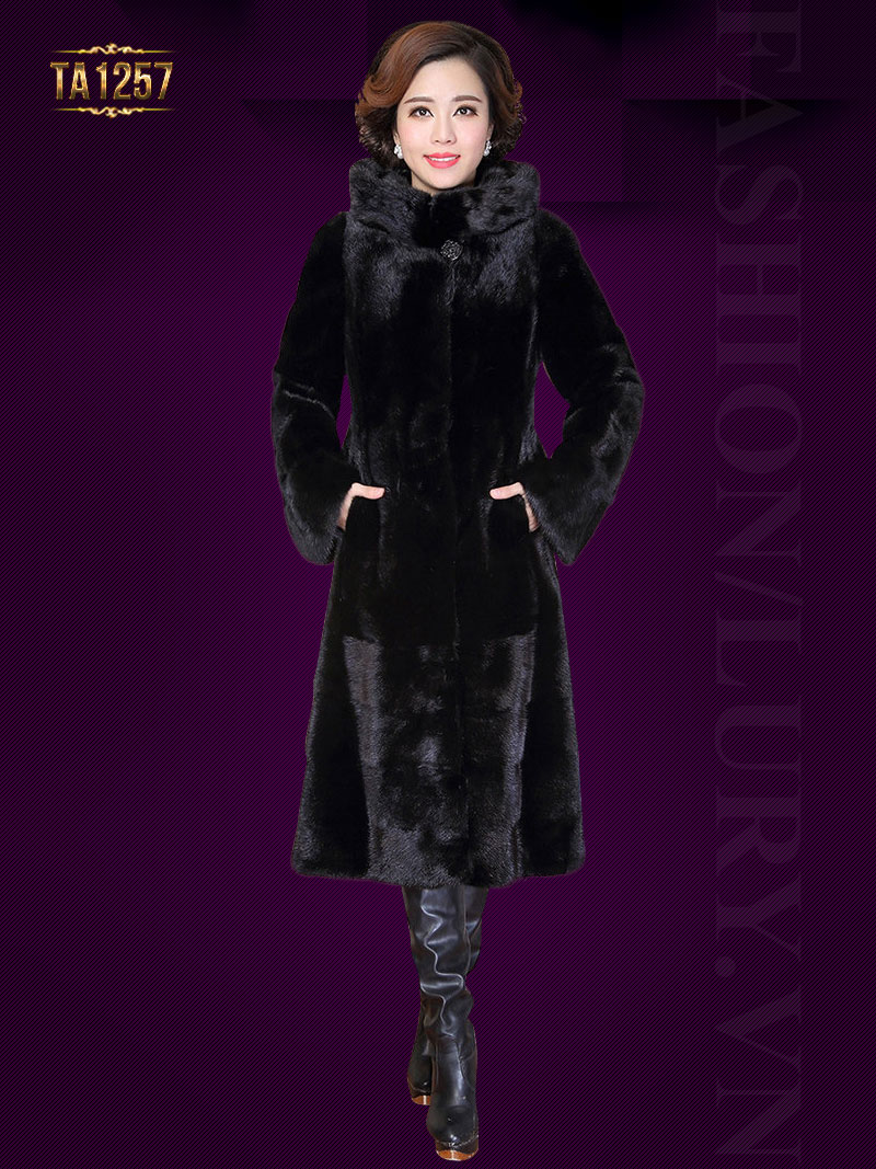 Sự kết hợp hoàn hảo áo khoác nhung lông trên nền màu đen cực sang trọng TA1257