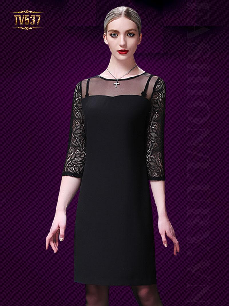 Đầm đen suông tay phối ren quý phái TV537