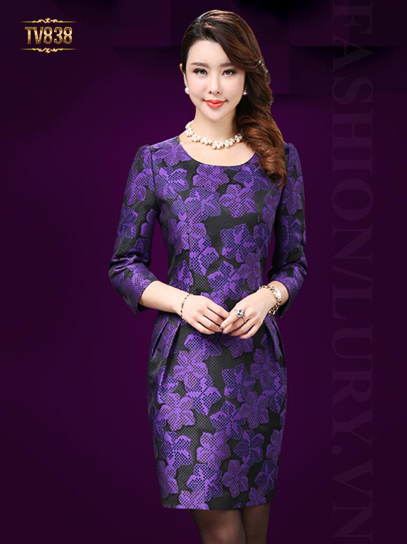 Đầm hoa tím nền đen chiết eo thon cao cấp TV838