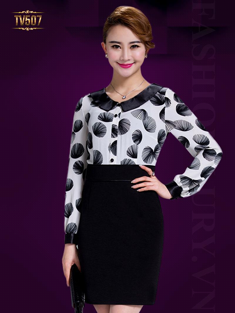 Đầm liền thân cổ sen họa tiết hoa trên tông đen trắng đẹp TV507