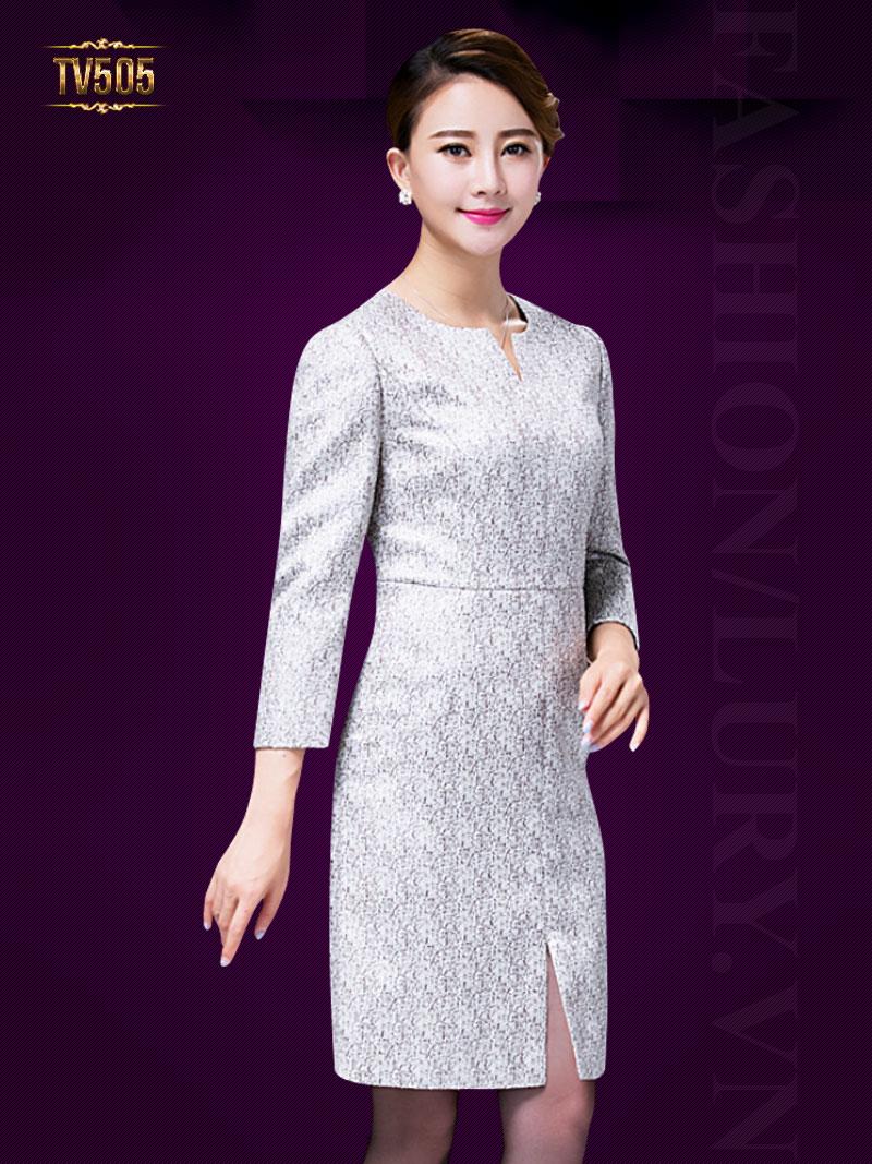 để mua váy liền thân tay lỡ đẹp, giá cả phải chăng thì hãy đến với Lury nhé