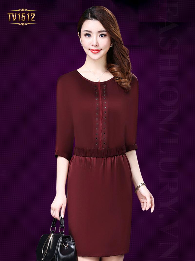 Đầm lụa đỏ tay lửng tết dọc thân trước sang trọng TV1512