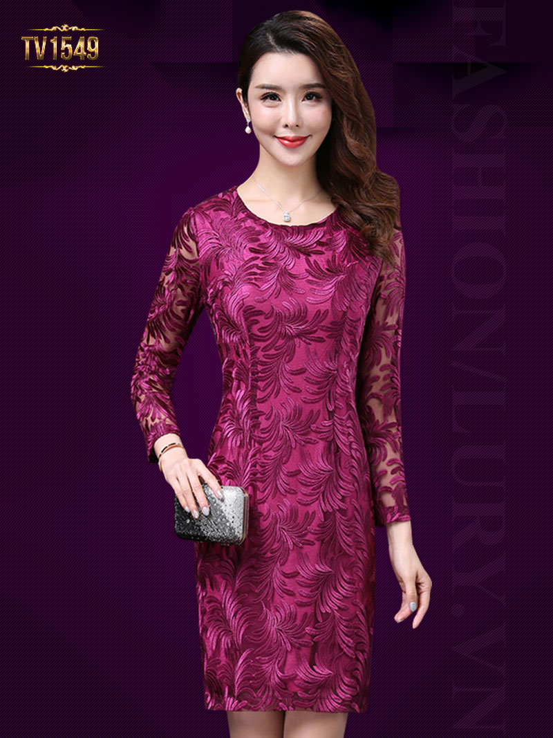 Mẫu đầm ren họa tiết hai lớp dài tay màu hồng sang trọng, quý phái TV1549;