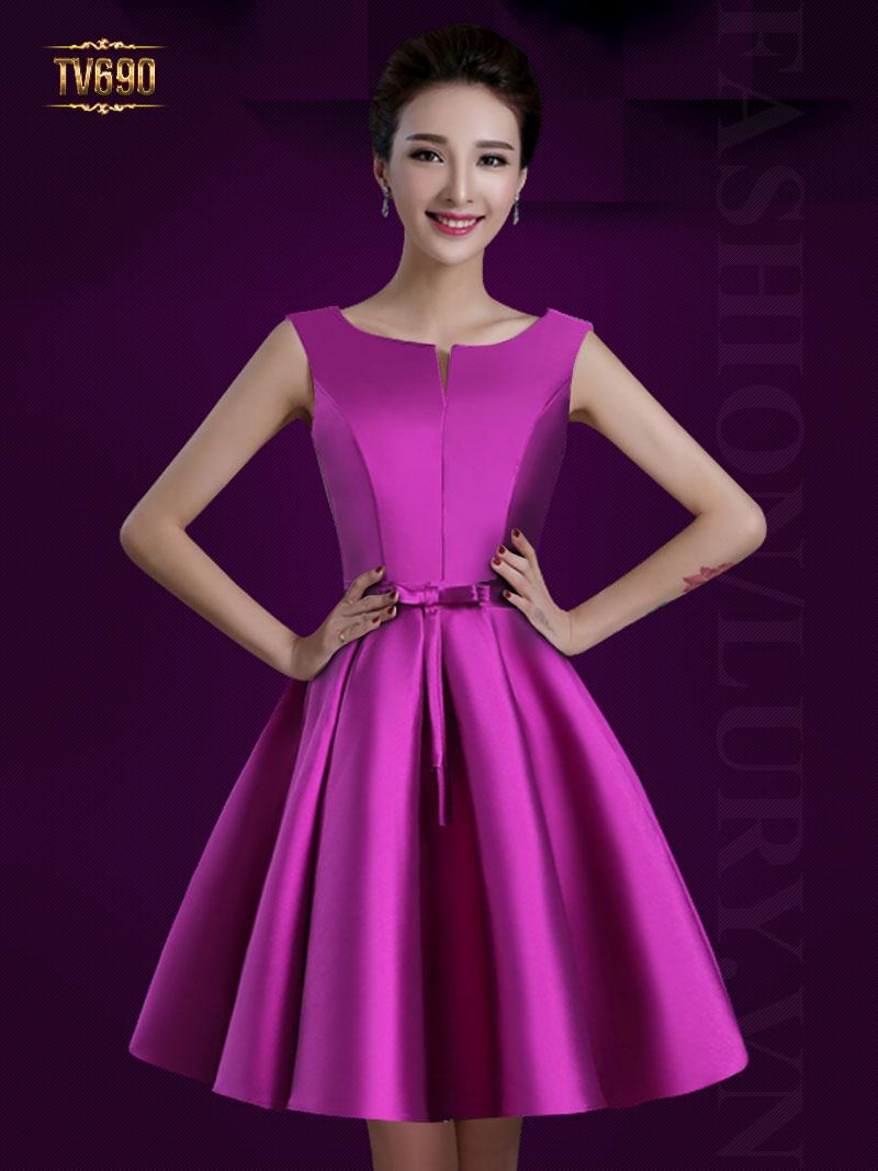 Những mẫu váy dự tiệc cưới sang trọng giúp bạn tự tin