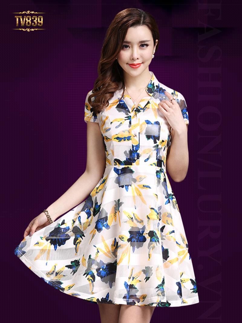 Đầm xòe khuy trước họa tiết nền trắng cao cấp TV839