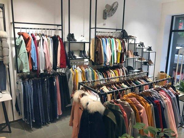 Shop thời trang thiết kế là điểm đến của nhiều phái đẹp