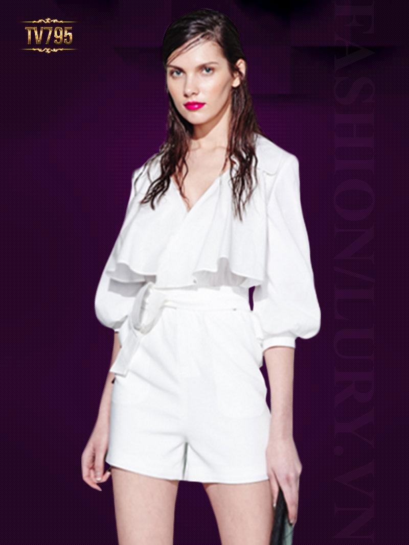 Jumpsuit ren trắng dáng ngắn thiết kế cách điệu TV795