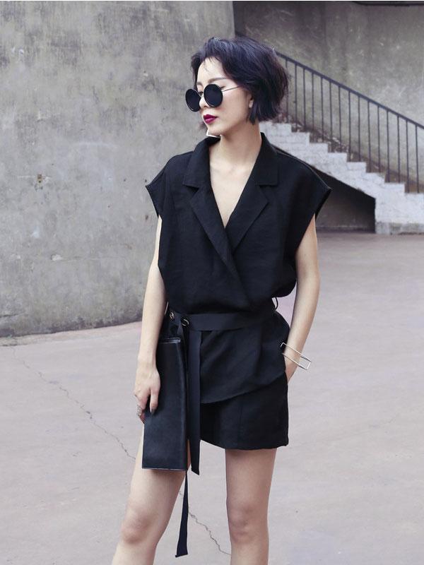 Jumpsuit short giả váy 2 túi cổ vest thời trang TV1187 (Màu đen)
