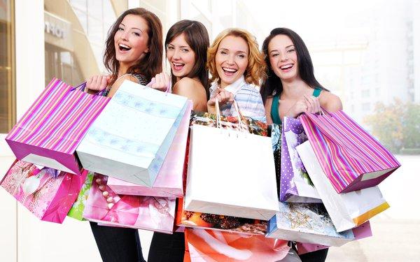 """Rủ """"hội bạn thân"""" mua chung là cách để mua được áo lông giá sỉ"""