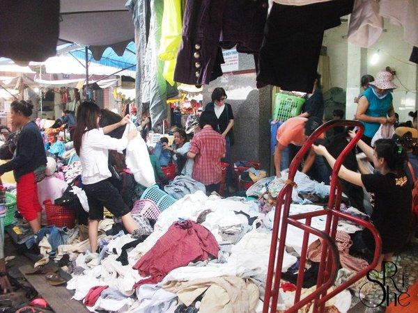 Chợ đồ xi được nhiều khách hàng bình dân quan tâm