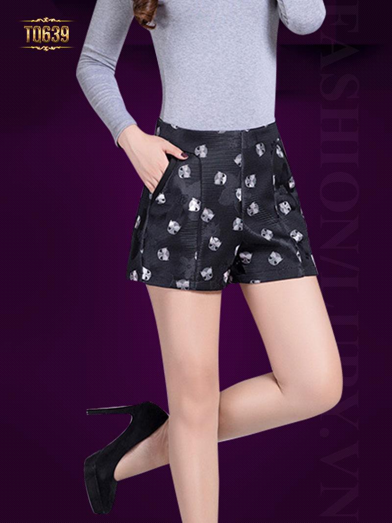 Quần sooc đen họa tiết thời trang TQ639